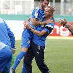 Fussball. DFB-Pokal, 2016-2017, 1. Runde. FC Astoria Walldorf - VfL Bochum. Juebelszenen mit Cheftrainer Matthias Born (FCA Walldorf). 21.08.2016 - Jan A. Pfeifer - 01726290959