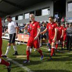 Fussball. Bayern Allstars - SAP Digital Heros. Einlauf der Mannschaften. 05.04.2017 - Jan A. Pfeifer - 01726290959