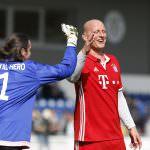 Fussball. Bayern Allstars - SAP Digital Heros. Carsten Jancker (Bayern Allstars) und Tormann Lutz Pfannstiel (SAP Digital Heros). 05.04.2017 - Jan A. Pfeifer - 01726290959