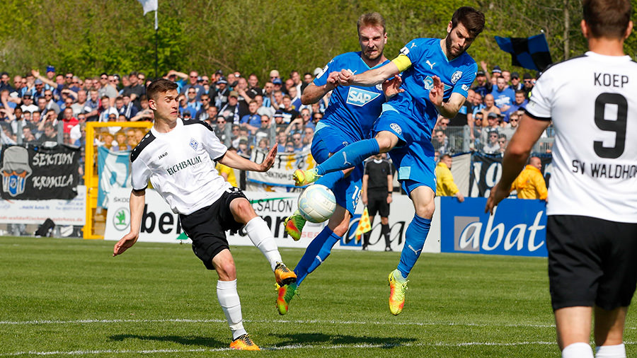 FCA Walldorf gegen SV Waldhof Mannheim